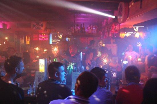The Highlander Scottish Bar Ibiza: nighttime in the highlander