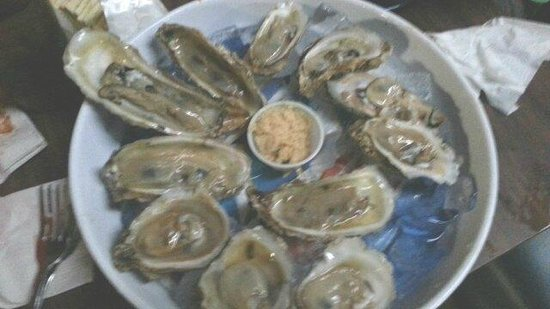 Lee and Rick's Half Shell Oyster Bar : Dozen fresh oysters on the half shell