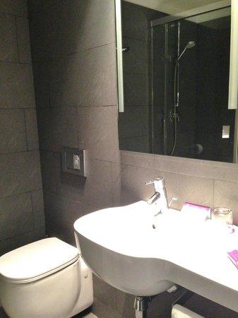 Ayre Hotel Gran Via: dettagli bagno