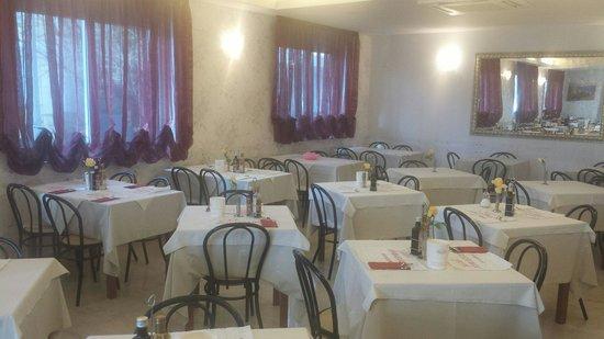 Hotel Ambassador: Sala colazione