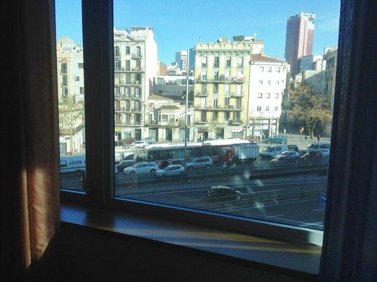 Ayre Hotel Gran Via: vista dalla camera sulla gran via