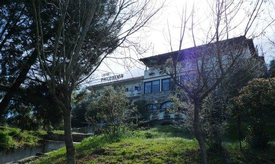 Philoxenia: Южная сторона отеля