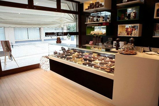 Chocolaterie Belge Artisanale de Jaeger: more than 55 different exquisite pralines available