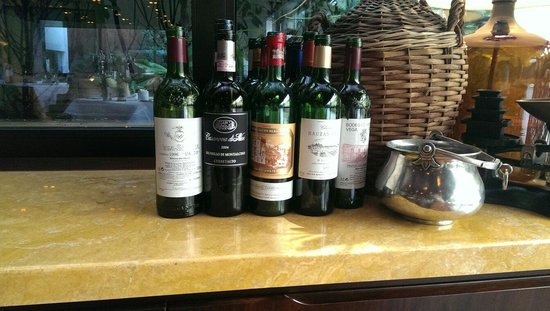 Square Nine Hotel Belgrade: Wine ...