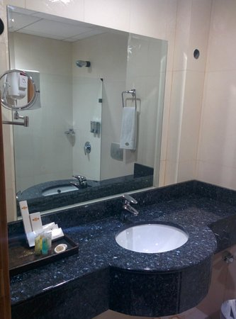 City Centre Hotel : Bathroom