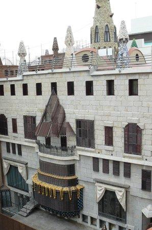 Hotel Ramblas Barcelona : il retro di una creazione di Gaudì