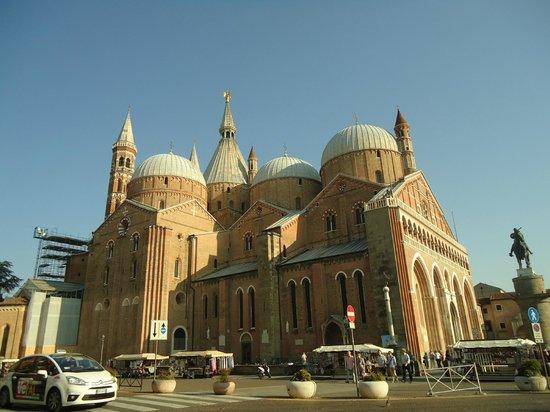 Basilica di Sant'Antonio - Basilica del Santo: Basilica Di Sant' Antonio na cidade de Pádua ( Padova)