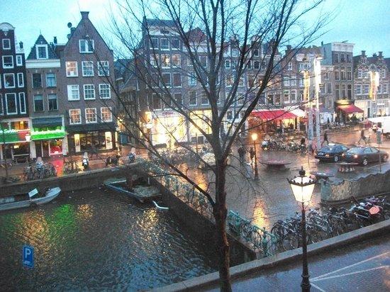 Tulip of Amsterdam B&B: vista desde nuestra habitación