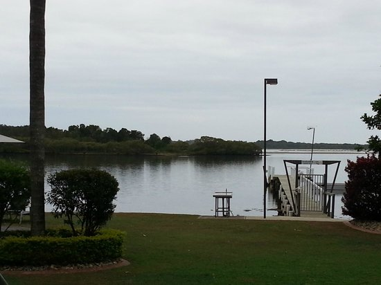 Moby Dick Waterfront Resort Motel: View from our room to the Jetty.