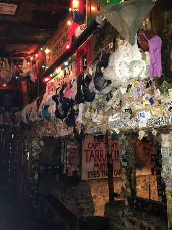 Calle Duval: Captain Tony's Saloon