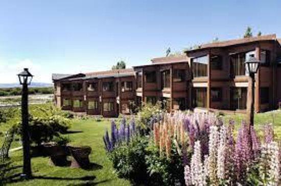 Hotel Mirador del Lago: vista desde el costado
