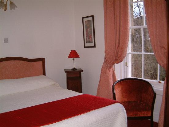 Terrace Hotel: ROOM 11