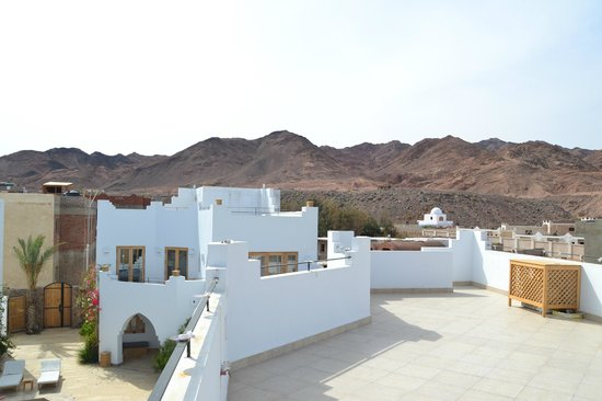 Red C Villas: View to the West from the roof