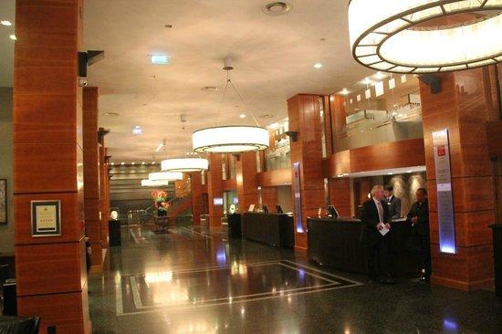 Royal Garden Hotel: Lobby