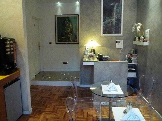 Relais Conte Di Cavour de Luxe: Reception desk