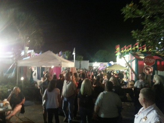 Bourbon Street BBQ and Southern Cooking: Front of Bourbon Street during Pineapple Festival