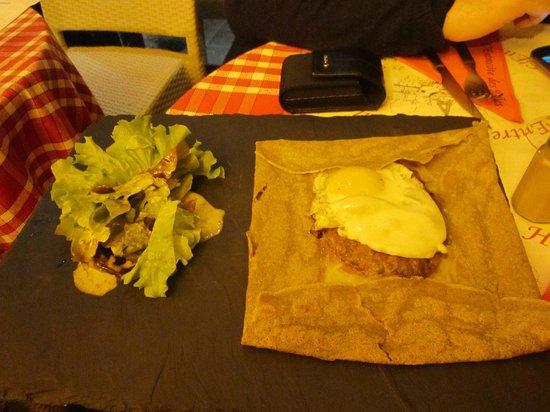 L'Entrecote: galette con hamburger