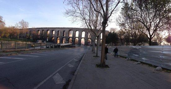 Valens Aqueduct (Bozdogan Kemeri) : Larry Pictures