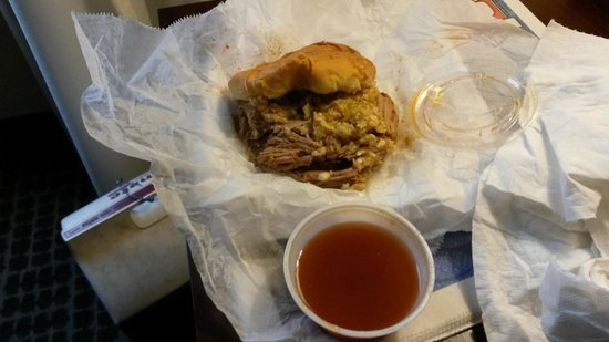 Smiley's BBQ: Chopped pork sandwich