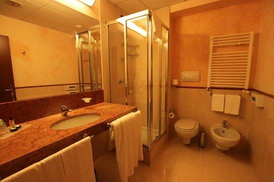 Residence Golf Hotel Milano Opera : Bathroom