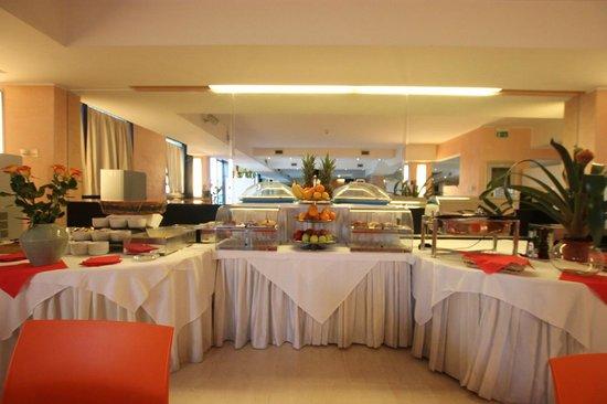 Residence Golf Hotel Milano Opera : Breakfast
