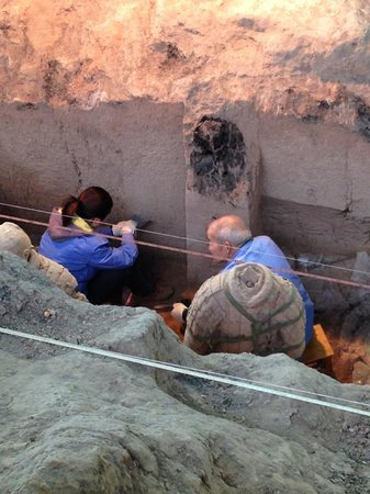 The Museum of Qin Terra-cotta Warriors and Horses: Archeologists continue to restore the pits