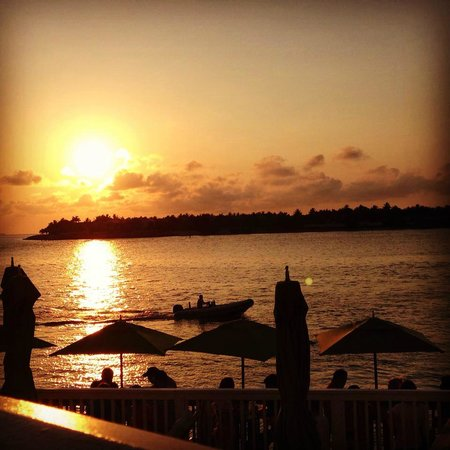 Ocean Key Resort & Spa: Sunset view from Hot Tin Roof restaurant