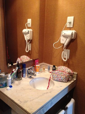 Bourbon Convention Ibirapuera: Banheiro poderia ser maior