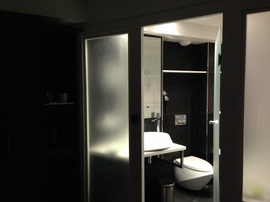 Holiday Inn Paris - Notre Dame : Bathroom