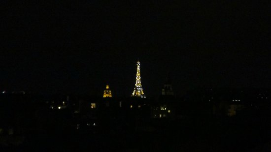 Holiday Inn Paris - Notre Dame : Another view of Eiffel
