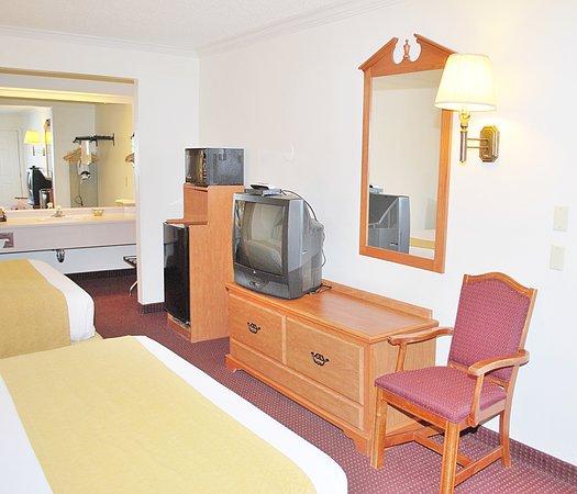 Vagabond Inn & Suites Klamath Falls: Two Queen Room