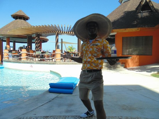 Secrets Wild Orchid Montego Bay : another hat for Leo