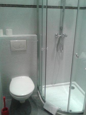 Ajoupa Apart'hotel Nice : bagno
