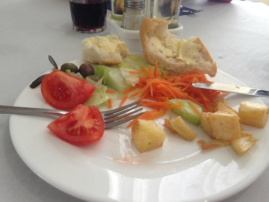 Hotel Magic Fenicia: Lovely salads at the hotel and great selection of fresh breads