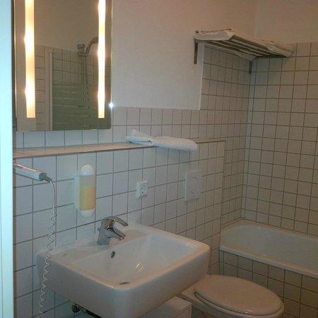 Apart-West: salle de bains