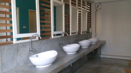 Glur Hostel: waschraum/ toiletten