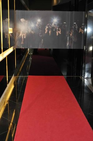 Butterfly on Hollywood: Alfombra roja a los ascensores