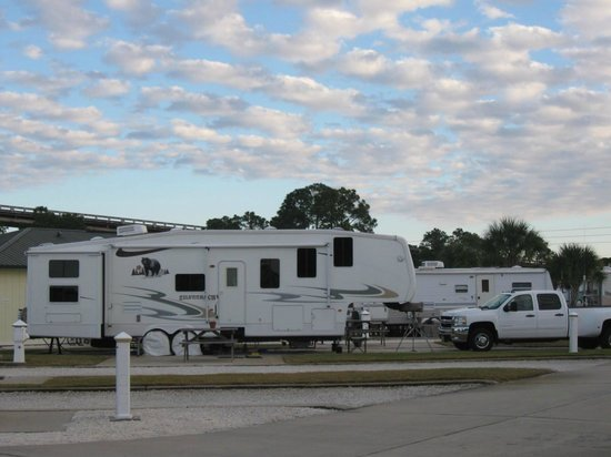 Perdido Cove RV Resort & Marina: Back-in site by office