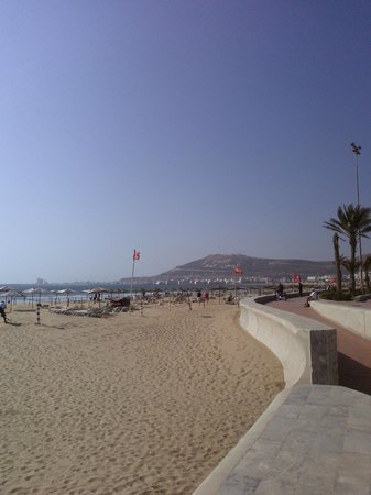 Club Marmara Agadir : plage en face hotel