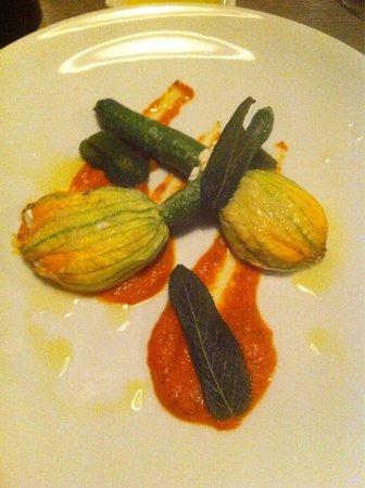 Monty's Restaurant and Bar: Zucchini flowers