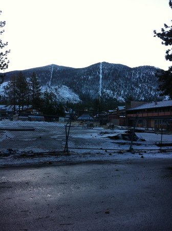Big Pines Mountain House of Tahoe: Looking at Heavenly from hotel driveway.