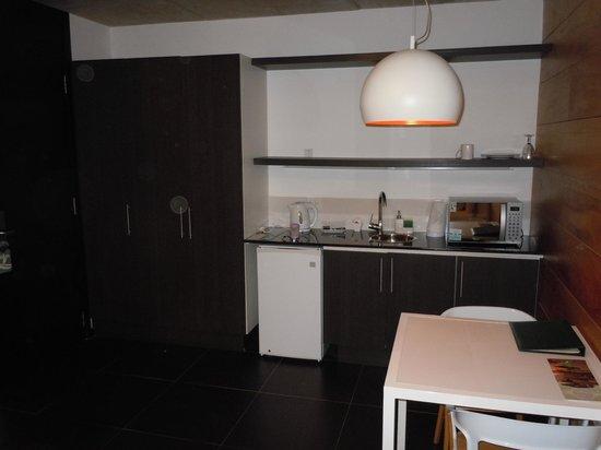 Costa Colonia Riverside Boutique Hotel: cozinha do quarto