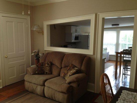 Sail Inn: Upper Deck living room /  kitchen