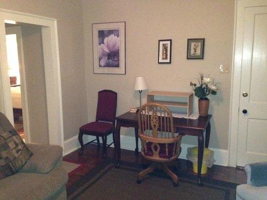 Sail Inn: Upper Deck living room