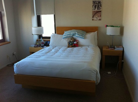 The Marmara Manhattan: Queen bedroom (with ensuite) in 3br suites