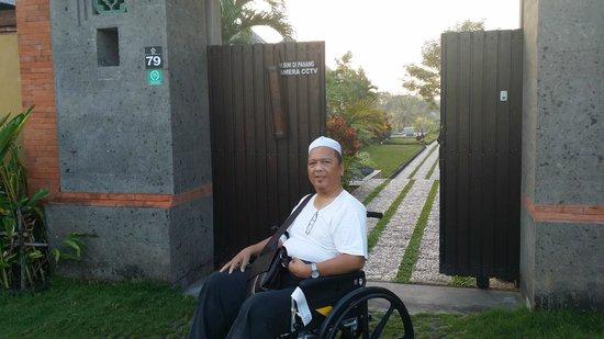 Villa Mimpi Manis Bali: Entrance to Villa