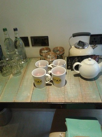 Stay Central Hotel: tea making facilities