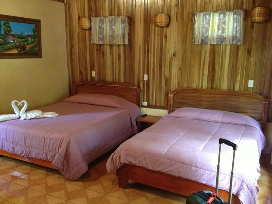 Monteverde Villa Lodge : Spacious room