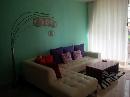 Ixchel Beach Hotel : Living room