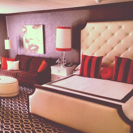 Riviera Palm Springs Resort: King Suite